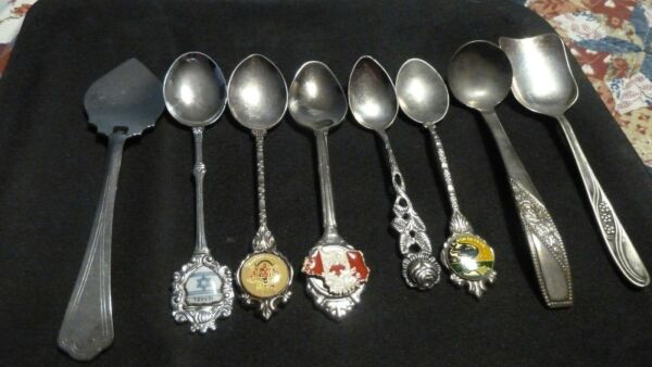 VINTAGE SOUVENIR COLLECTABLE SPOONS