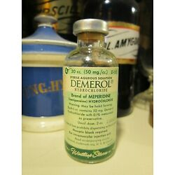 Kyпить Demerol Glass Vial ~ Winthrop Bottle Medical Poison Pharmacy Apothecary Narcotic на еВаy.соm