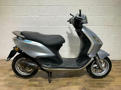 PIAGGIO FLY 50 2011 GOOD RUNNER ORDER CLEAN SCOOTER OVERALL LIGHT PROJECT 50CC