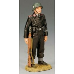 Kyпить King & Country WS156 Panzer Crewman at Parade Rest - RETIRED - Mint in the Box на еВаy.соm