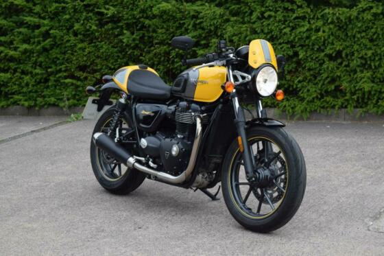 TRIUMPH 2017 67' STREET CUP YELLOW H GRIPS FULL HIST GREAT CONDITION