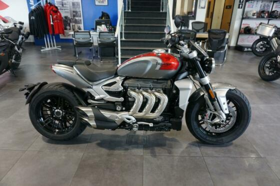 Triumph Rocket 3 R, 2021, Silver Ice / Cranberry Red.