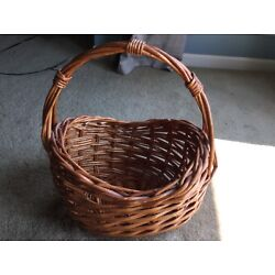 LARGE PIER 1 ONE BROWN OVAL BASKET THICK WEAVE WITH HANDLE HOME DECOR DECORATIVE