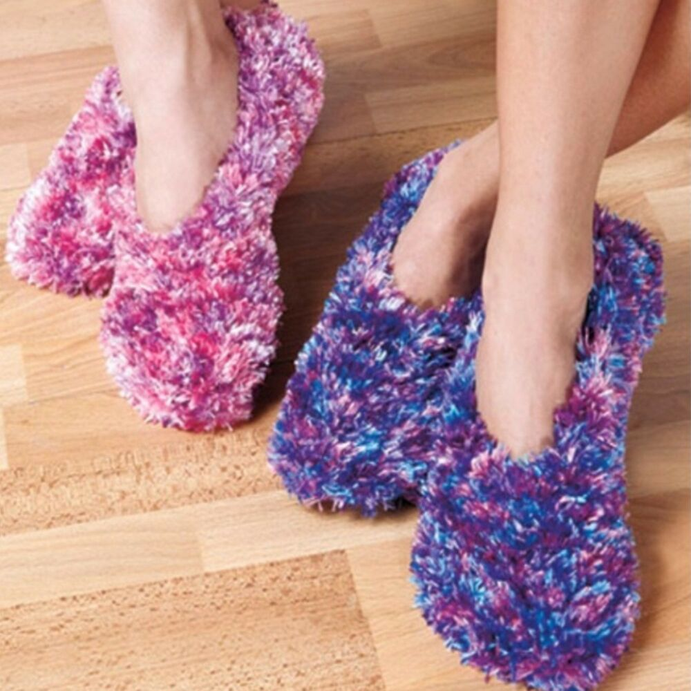 Feather Yarn Knitting Patterns : 2 Pairs FLUFFY FEATHER YARN LIGHTWEIGHT SLIPPERS PINK PURPLE POLYESTER SMALL ...