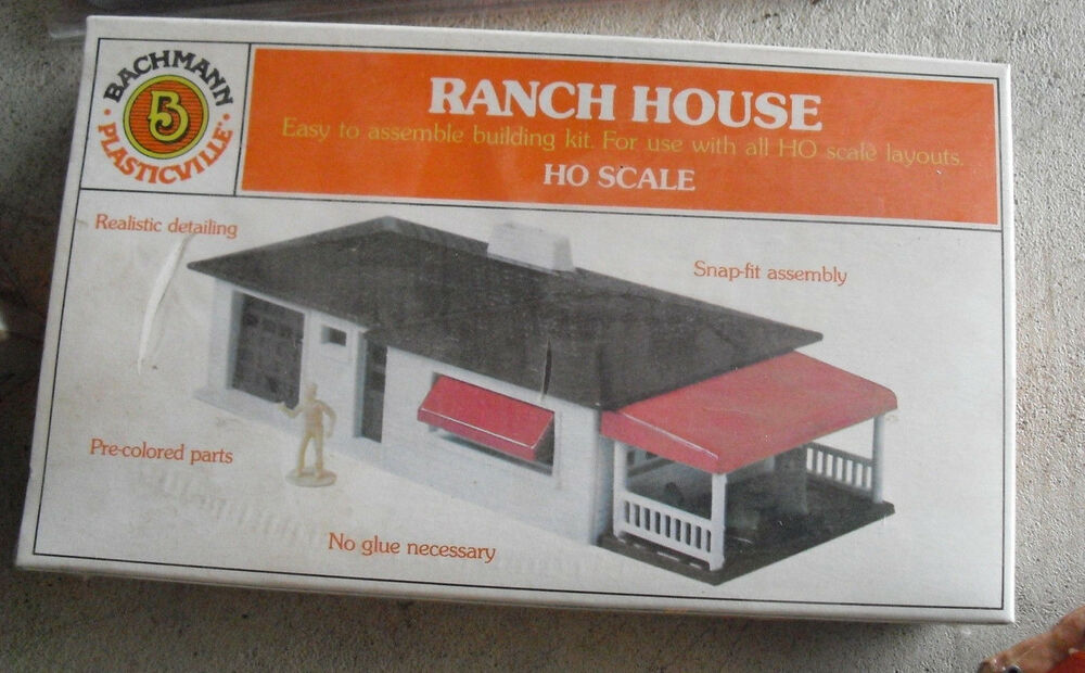 Vintage bachmann plasticville ho scale ranch house kit for Ranch home kits