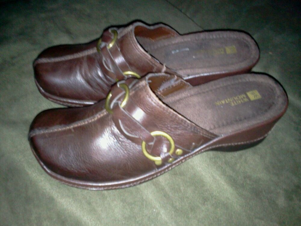 White Mountain Brown Leather Womens Clogs Mules Shoes 8 5