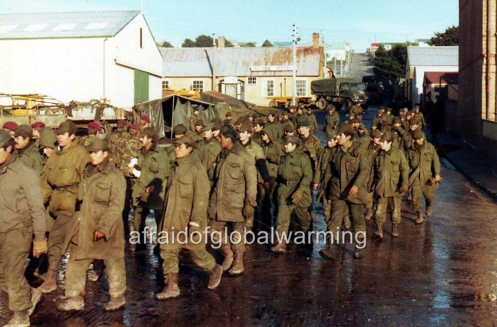 Photo 1982 Falklands War Argentine Prisoners Of War