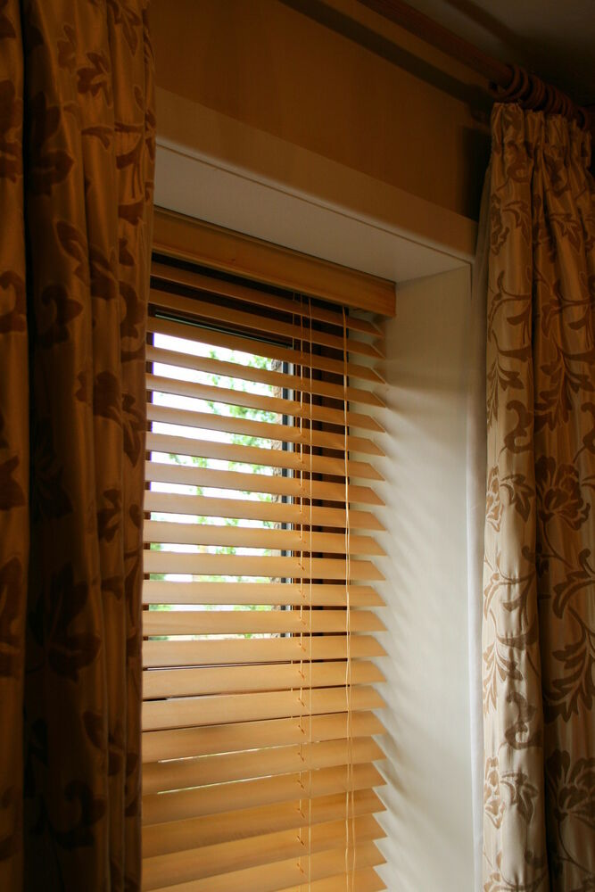 25mm Quality Real Wooden Venetian Blinds Upto 240cm Wide X