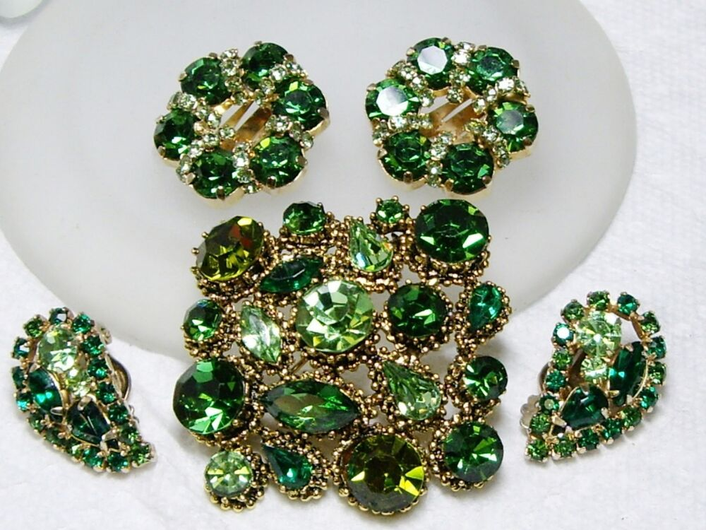 vintage green rhinestone weiss earrings brooch kramer. Black Bedroom Furniture Sets. Home Design Ideas