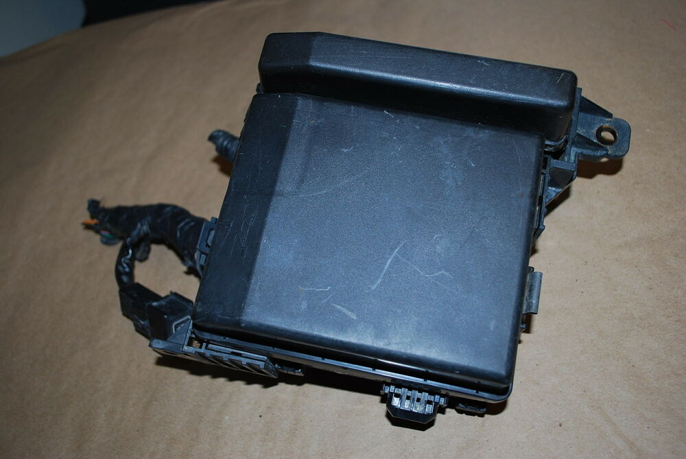 s l1000 under hood mounted fuse box for 05 stratus r t coupe oem ebay  at bayanpartner.co