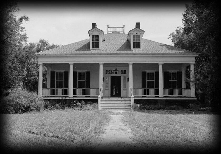 Elegant single story antebellum plantation home Louisiana plantation house plans