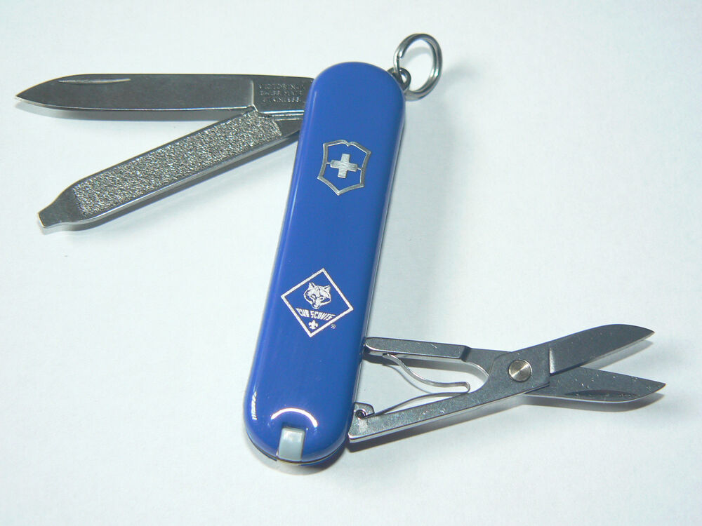 New Victorinox Swiss Army 58mm Knife Blue Classic Sd Bsa