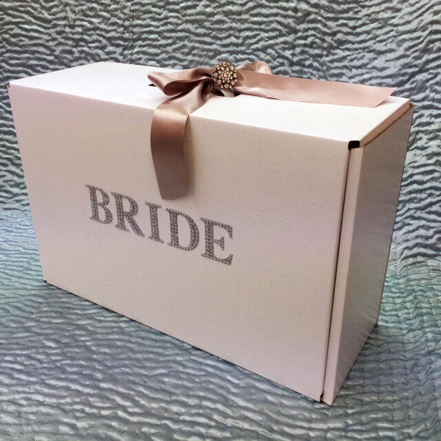 Wedding Gown Preservation Boxes: Show Stopper BRIDE Wedding Dress Travel Box · 19 Ribbon