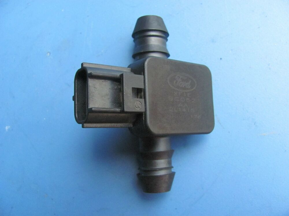 jaguar s type fuel gas tank pressure sensor xf1e9c052aa. Black Bedroom Furniture Sets. Home Design Ideas