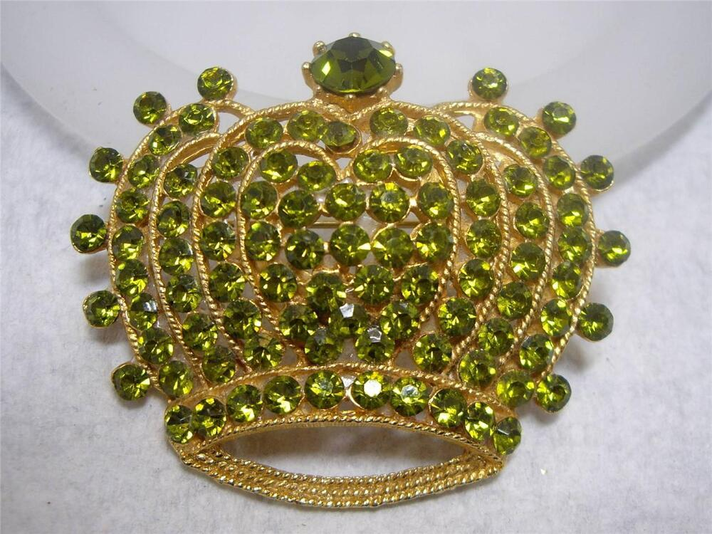 vintage signed weiss green rhinestone royal crown pin. Black Bedroom Furniture Sets. Home Design Ideas