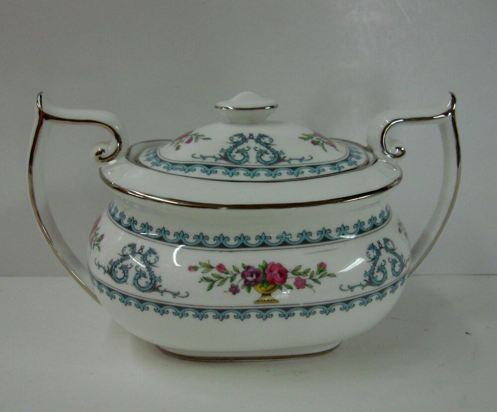 spode china versailles y8175b sugar bowl with lid made in england bone china ebay. Black Bedroom Furniture Sets. Home Design Ideas