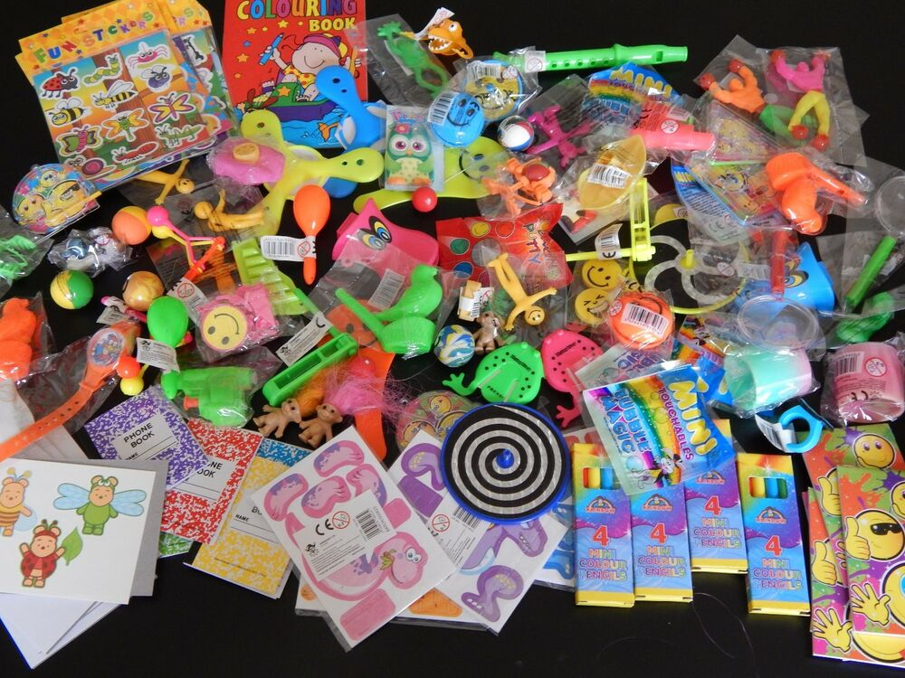 Toy Raffle Prizes : Small economy unisex party bag fillers lucky dip