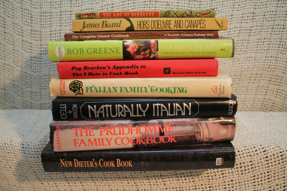 Lot 9 old cookbooks italian family cooking hors doeuvre for Canape cookbook