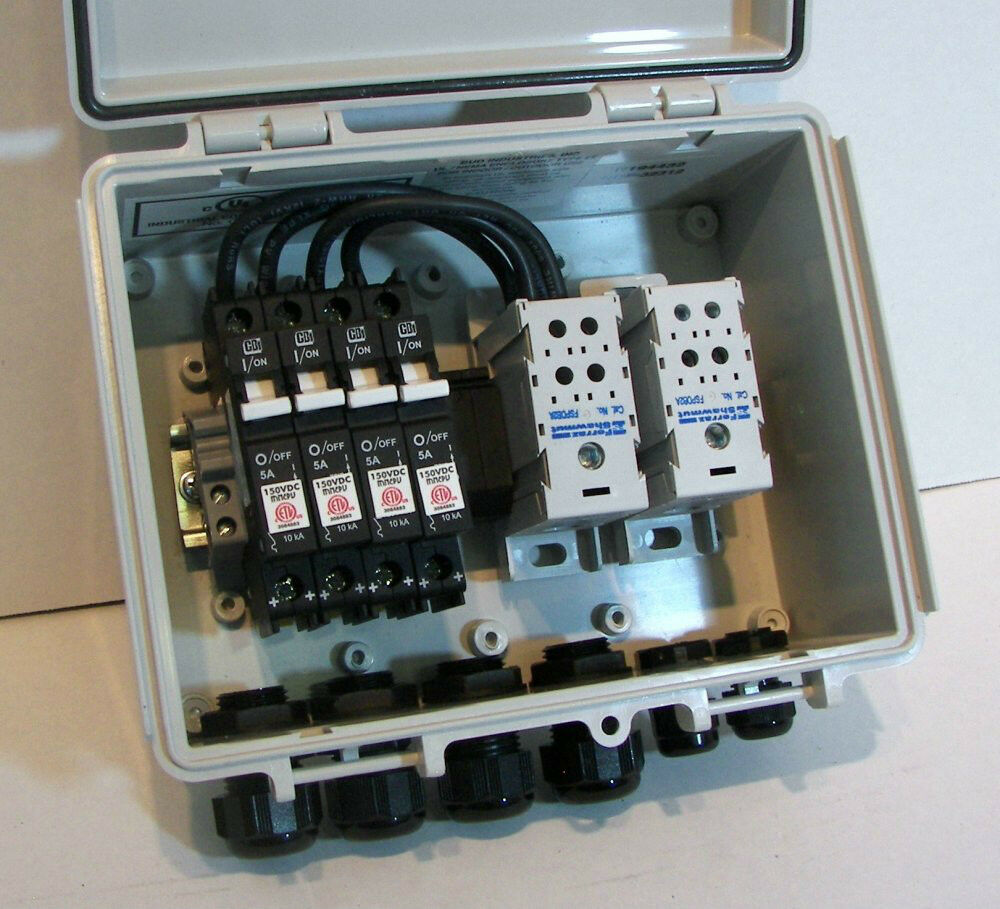 solar combiner box with 20 amp circuit breakers