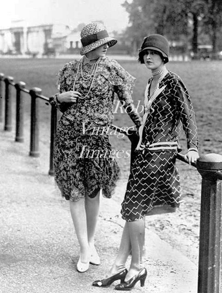 Vintage Fashionable Ladies Photo 1920s Flappers Jazz