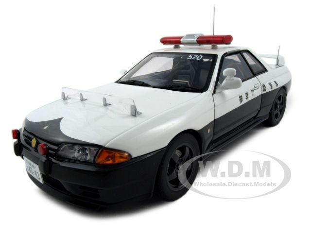 nissan skyline gtr r32 japan police car 1 18 diecast model. Black Bedroom Furniture Sets. Home Design Ideas