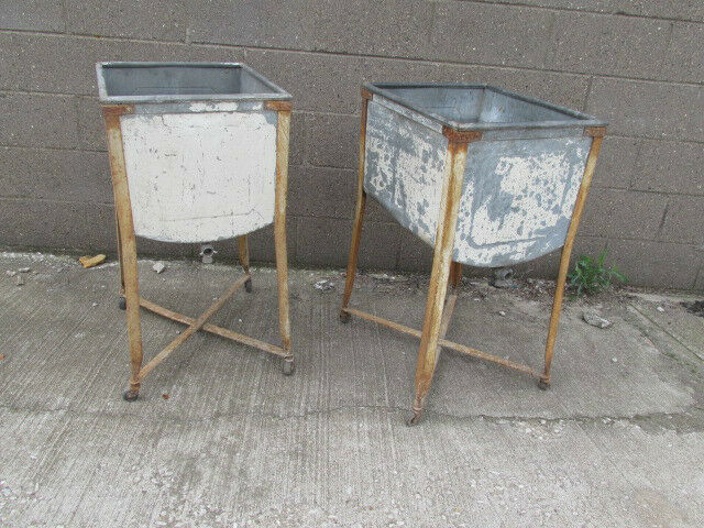 Vintage 2 wash rinse tubs galv on legs used ebay for Old metal wash tub