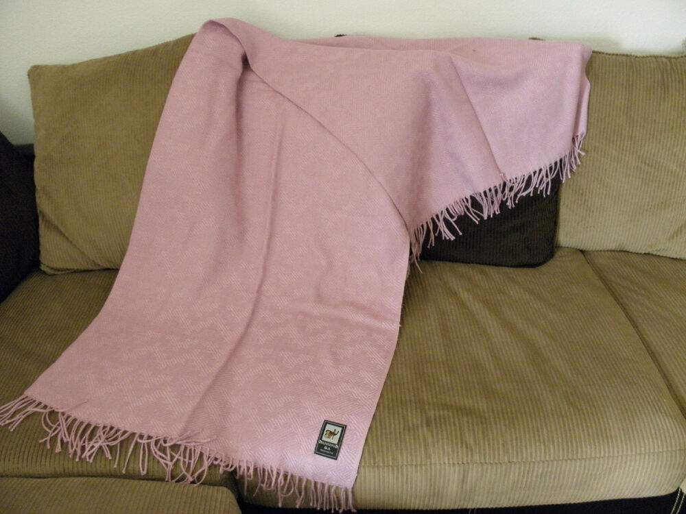 nwt made in peru soft peruvian alpaca blanket throw 70 x 54 light pink ebay. Black Bedroom Furniture Sets. Home Design Ideas