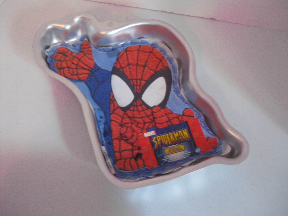 Wilton Spiderman Marvel Action Figure Cake Pan W Insert Ebay