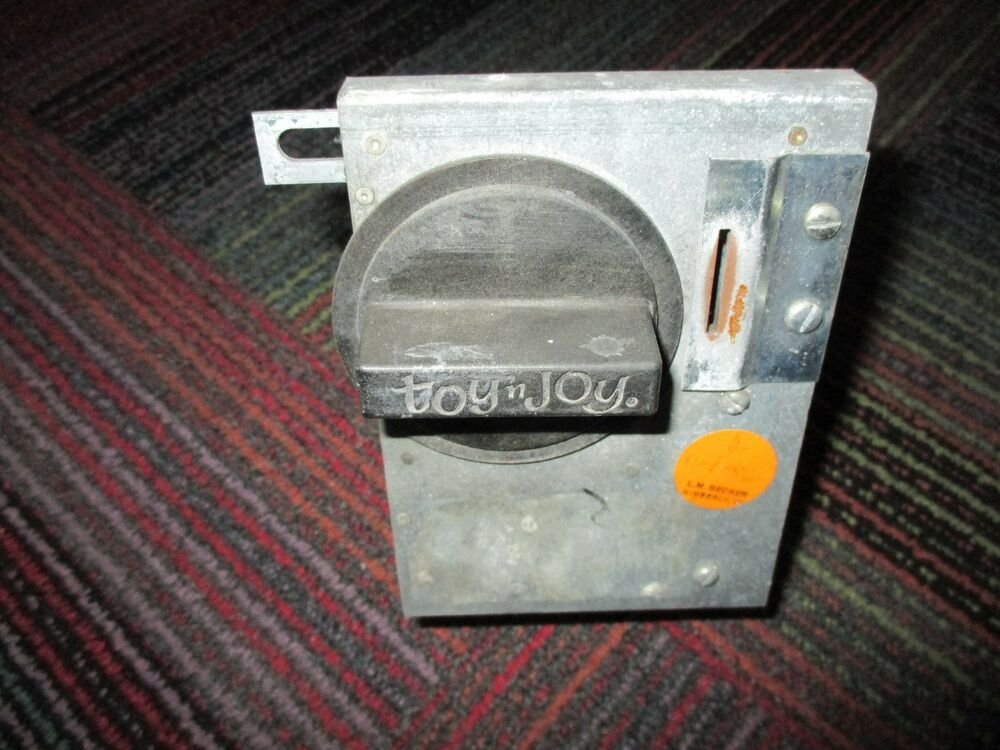 Toys N Joys Hawaii : Vintage compartment toy n joy vending machine complete