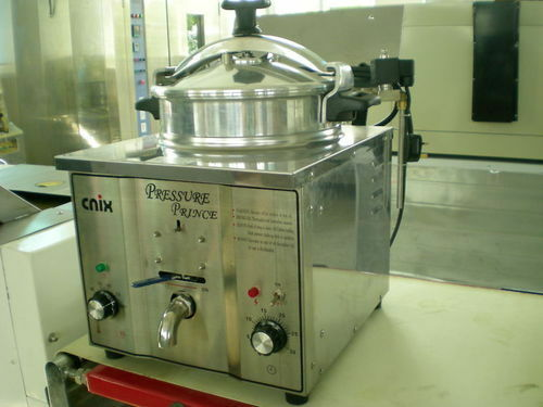 Commercial Electric Pressure Cooker ~ Brand new l commercial electric pressure fryer free post