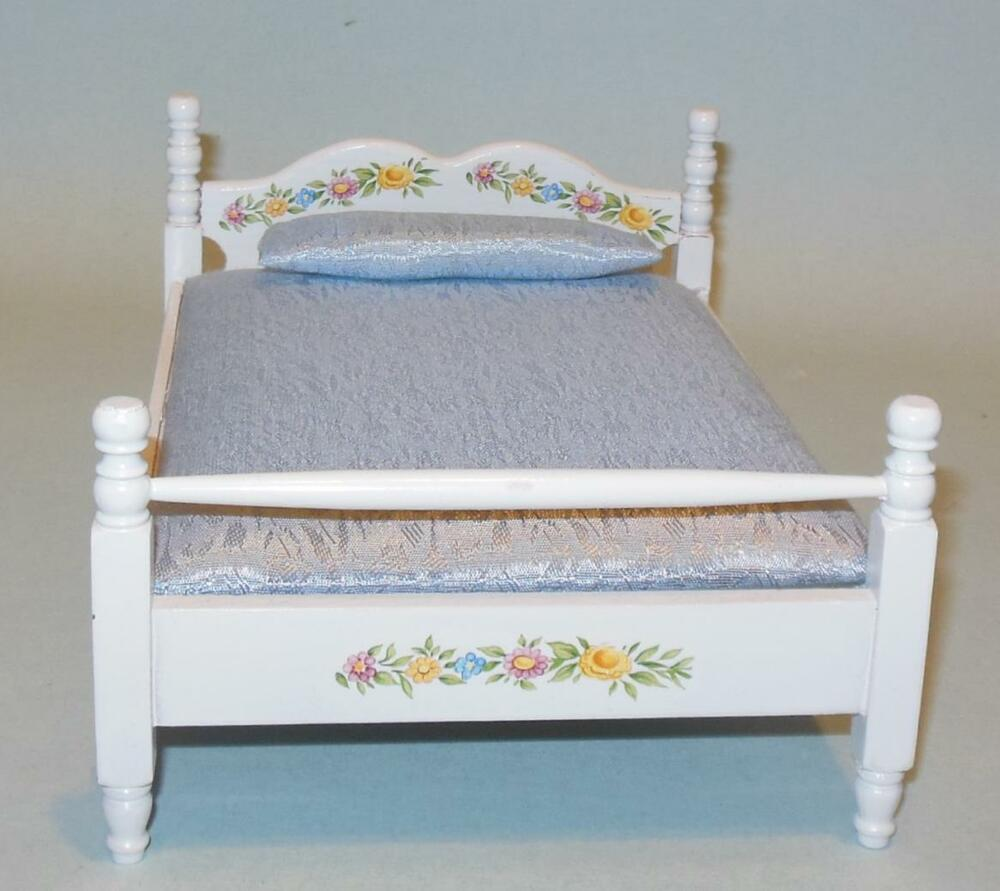 DECORATED WHITE DOUBLE BED DOLLHOUSE FURNITURE MINIATURES