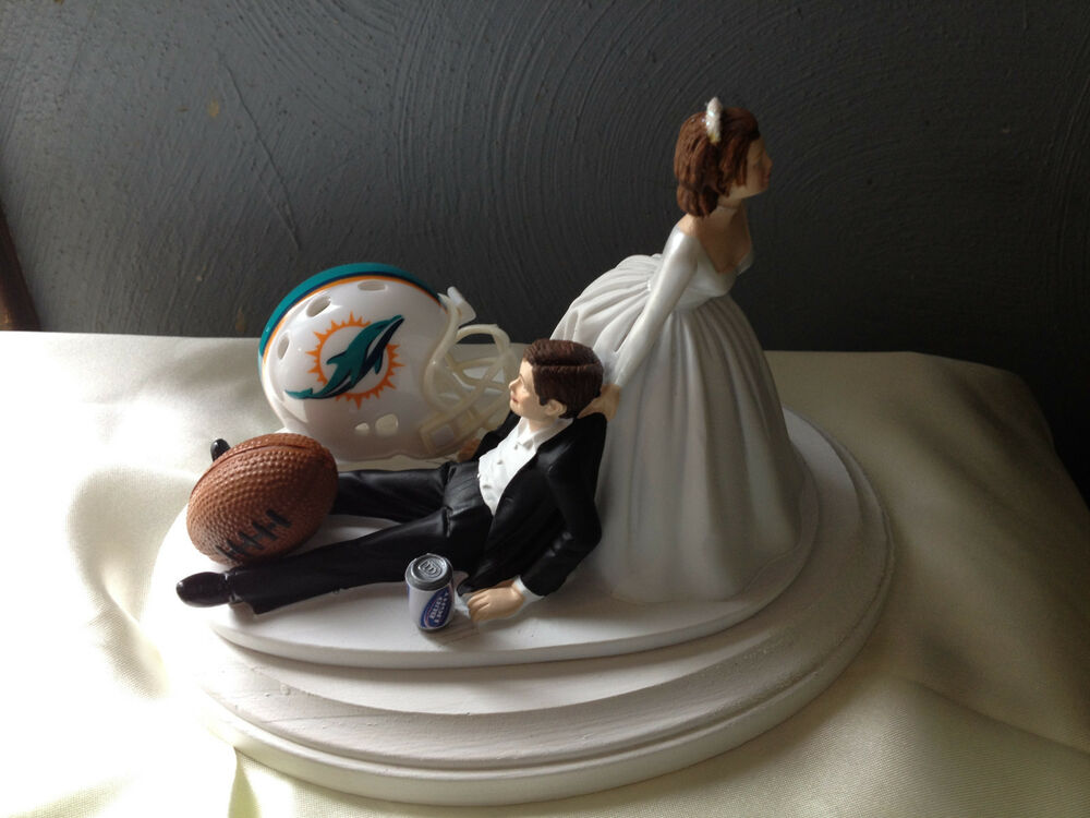 humorous wedding cake toppers bride and groom miami dolphins cake topper groom wedding day nfl 16204