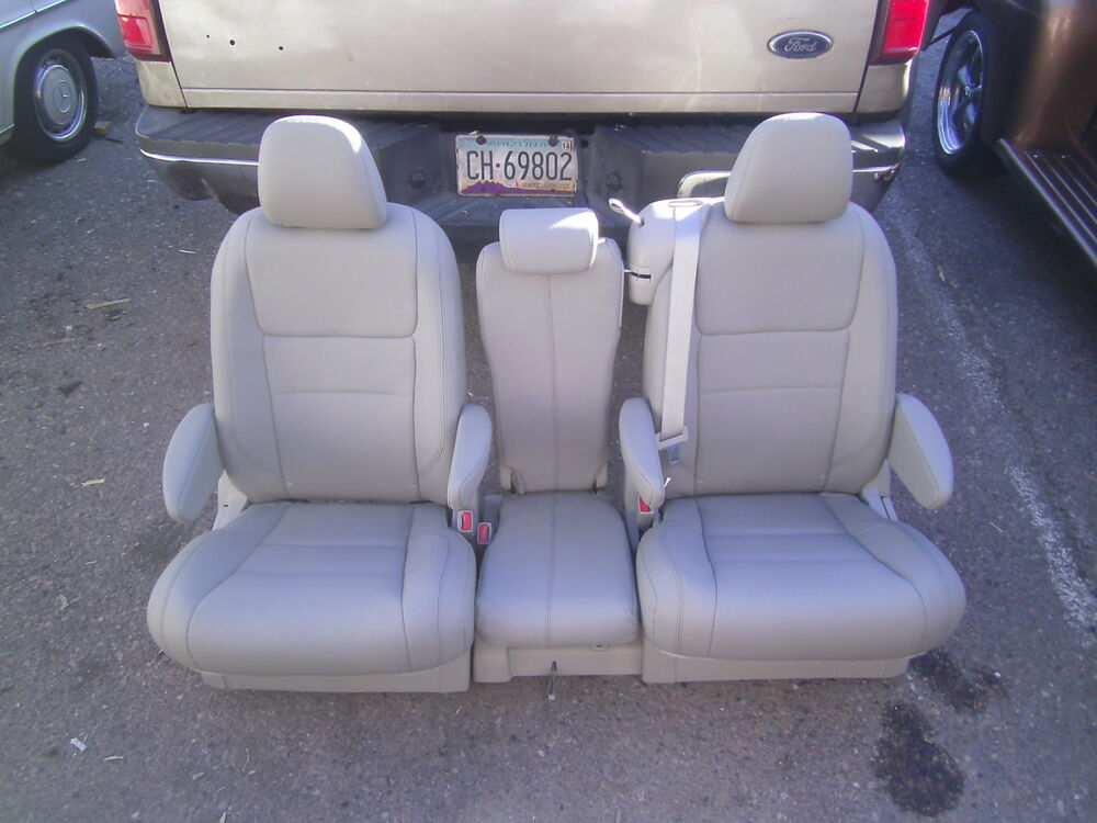 toyota sienna second row tan leather bucket seats new takeout 39 s ebay. Black Bedroom Furniture Sets. Home Design Ideas