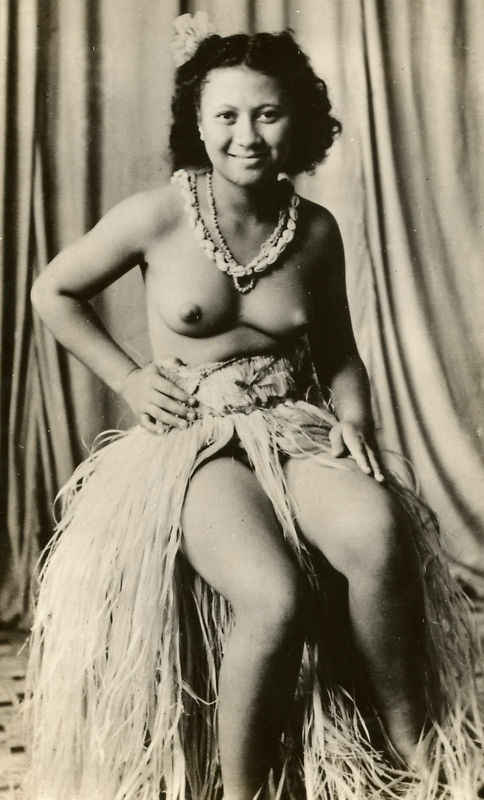 nude girl south pacific