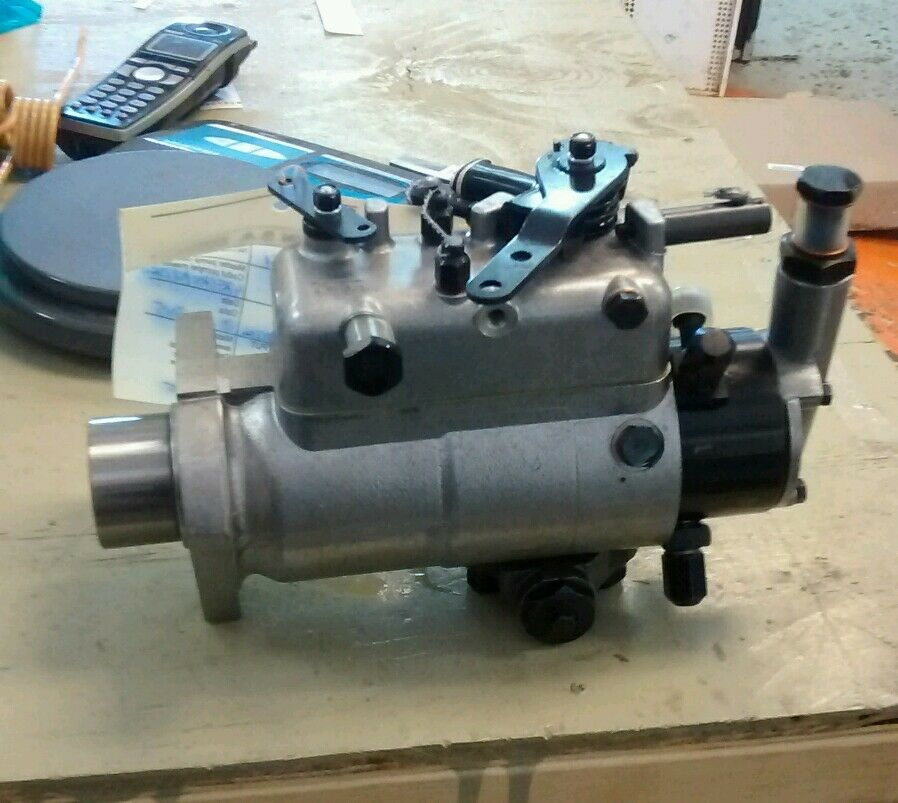 Cav3233f661 Ford Tractor Injector Pump  2000 2310 2600