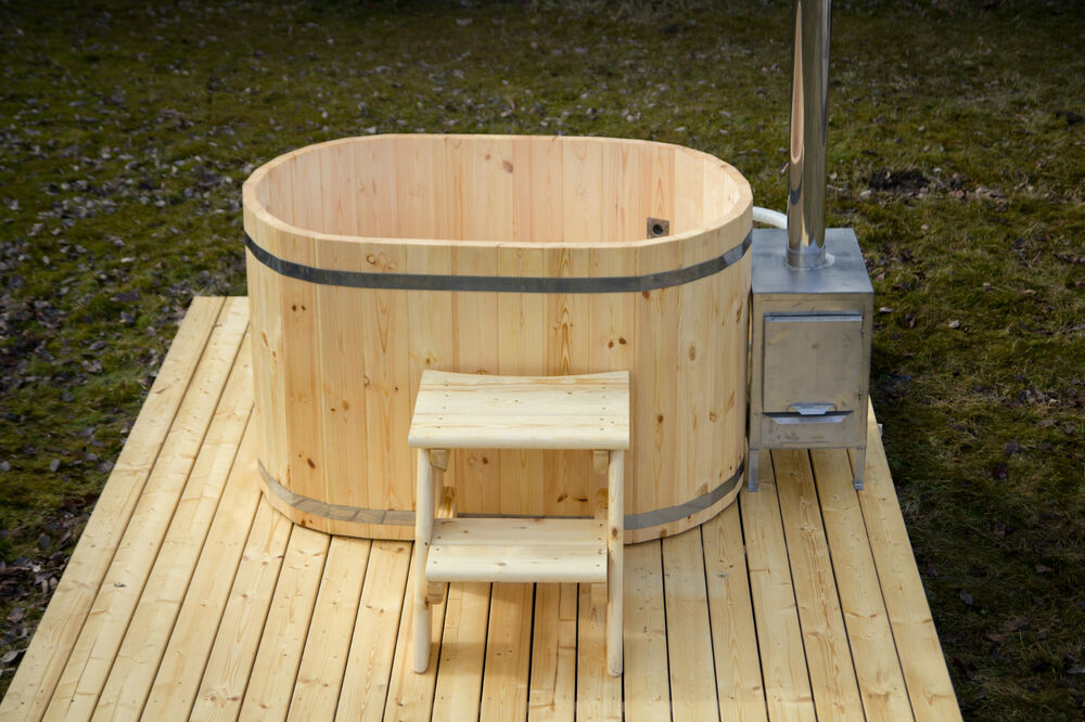Wooden hot tub 2 seater people japanese wood fired barrel for Outdoor bathtub wood fired