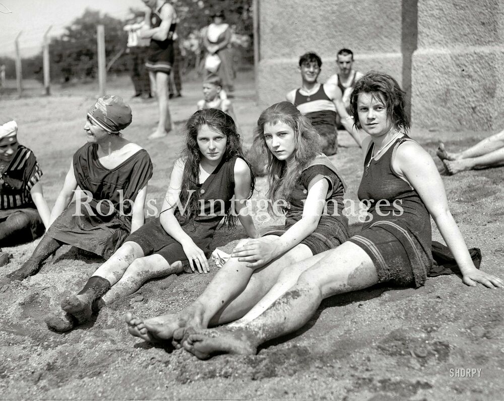 Vintage Flapper 4 Women Swimsuits Photo Early 1920s