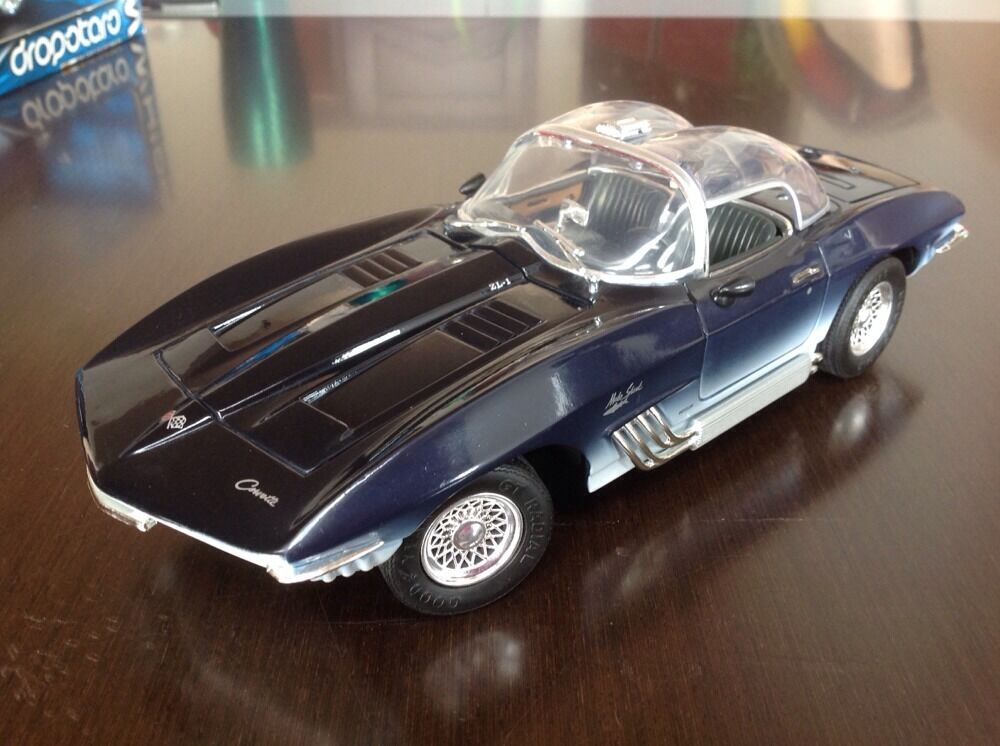 1 18 diecast 1961 corvette mako shark zl 1 bubble top ebay. Black Bedroom Furniture Sets. Home Design Ideas