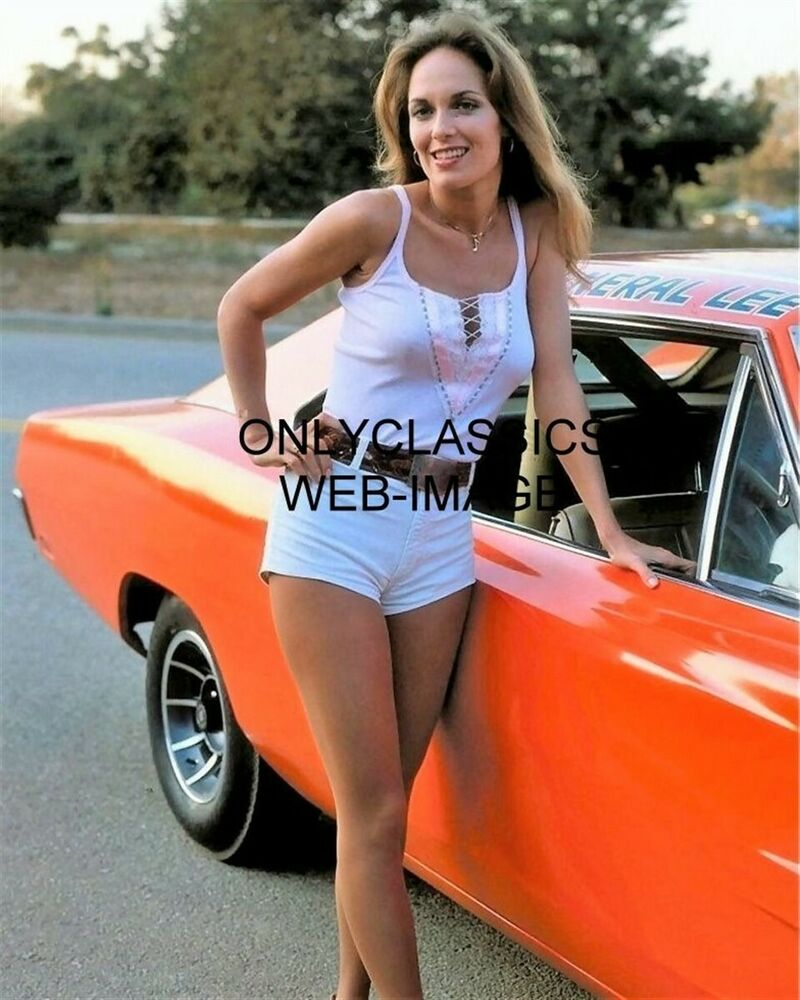 Dodge Charger List >> DUKES OF HAZZARD CATHERINE BACH DAISY DUKE PHOTO 1969 DODGE CHARGER GENERAL LEE | eBay