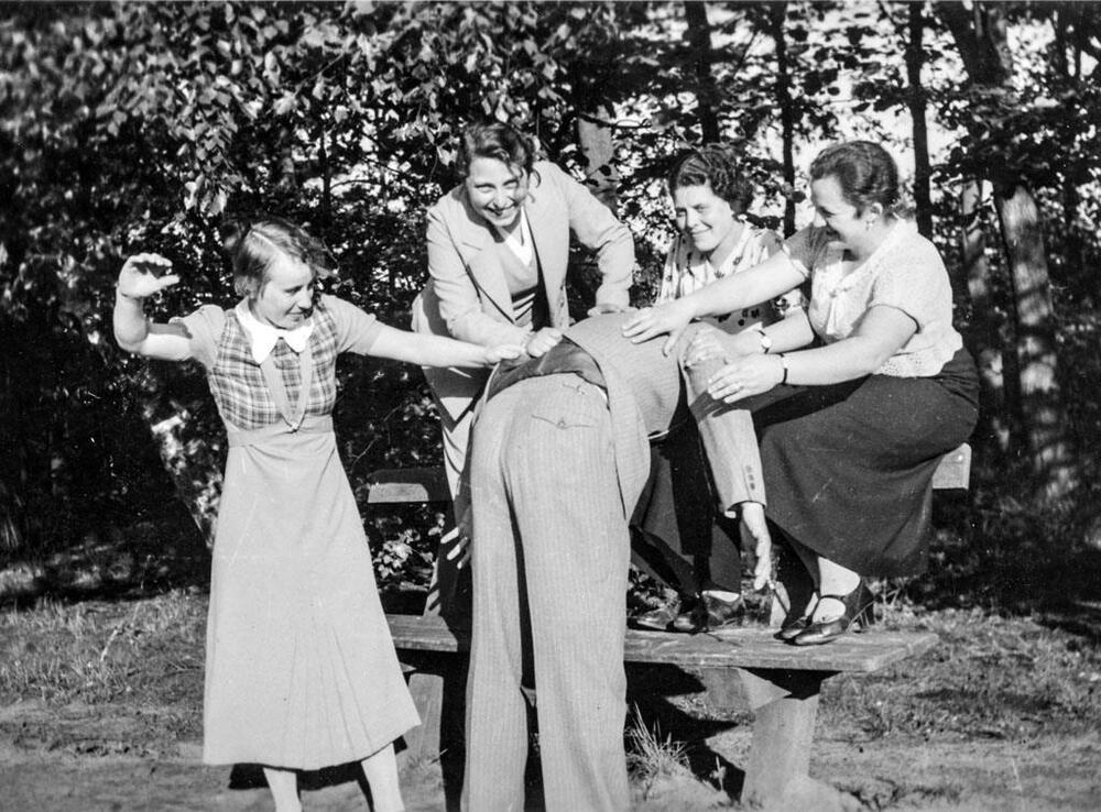 Old Photo Bad Man Getting Spanked By Women  Ebay-3105