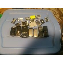 Cell Phone Lot, 7 Pieces, Sold For Parts plus 14 batterys