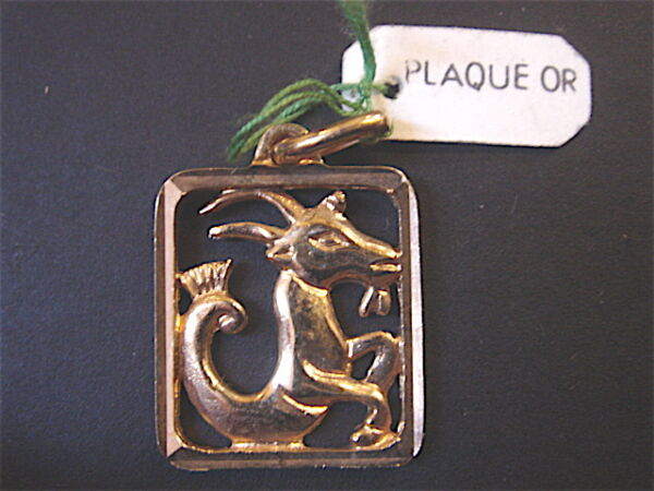 MEDAILLE DU ZODIAQUE CAPRICORNE VINTAGE 70 PLAQUE OR NEUF/NEW GOLD PLATED ZODIAC
