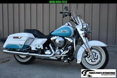 2016 Harley-Davidson Road King FLHR 103ci Metallic Blue and White MOTORCYCLE