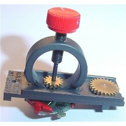 Kyпить AURORA T-JET & AFX  HO SLOT CAR PINION GEAR / WHEEL PULLER TOOL FRAY RACING на еВаy.соm