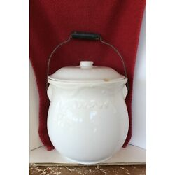 Kyпить VINTAGE PORCELAIN WATER CHAMBER SLOP BUCKET WITH LID & Wooden Handle на еВаy.соm