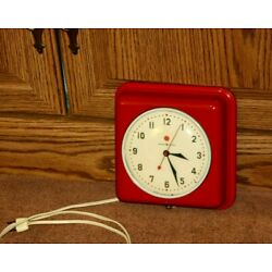 Kyпить Vtg Retro RED General Electric Square Metal Kitchen Wall Clock MCM WORKS WELL на еВаy.соm