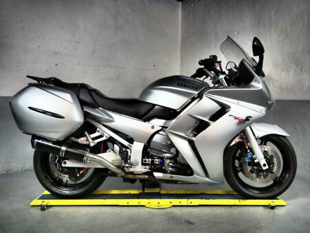 2001 Yamaha FJR1300 ,great condition with luggage,pipewerks pipes,Hel lines