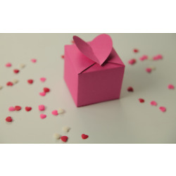 Lovely heart-shaped paper box for special occasion gifts