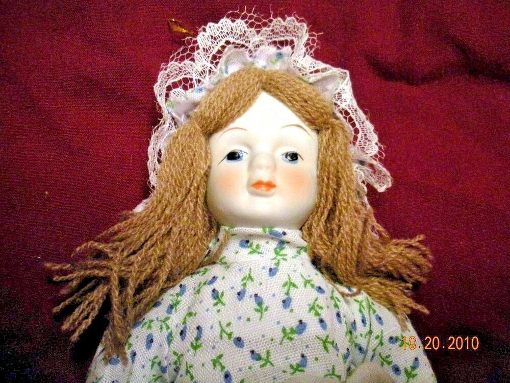 how to put yarn hair on a doll