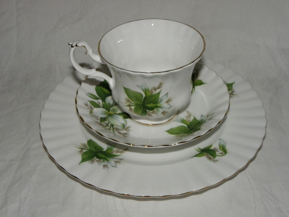 royal albert trillium porzellan kaffeegedeck bone china england ebay. Black Bedroom Furniture Sets. Home Design Ideas
